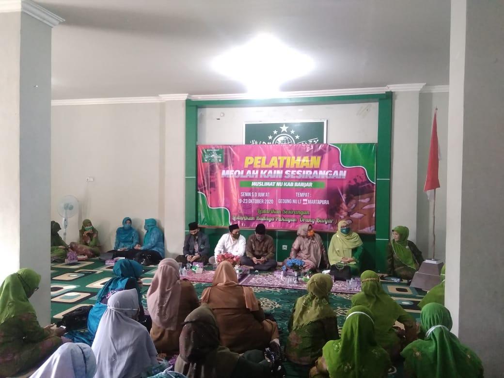 Lestarikan Sasirangan, Muslimat NU Banjar Upayakan Kemandirian Ekonomi. Foto-Ibanua.co