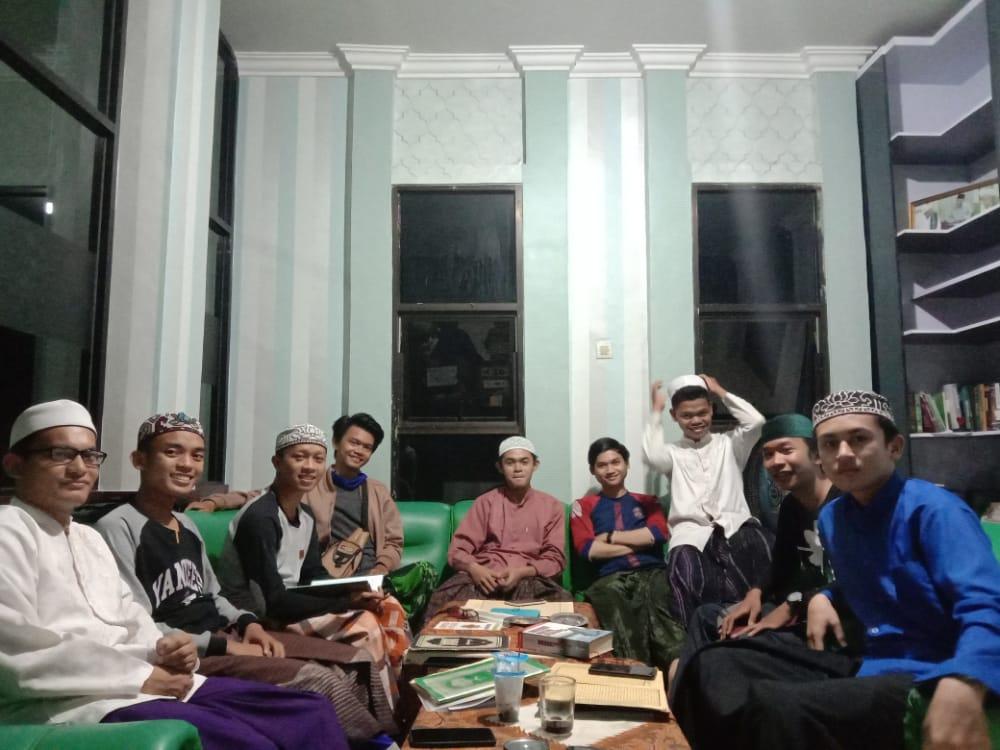 mudzakarah kitab atau ngaji duduk PC IPNU Kabupaten Banjar.Foto-Banua.co