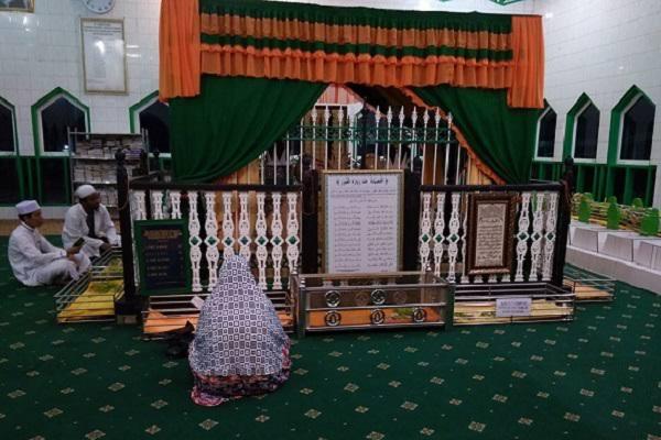 images 40 - Makam Kalampayan Dibuka Kembali, Ini Alasan Yayasan
