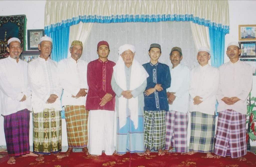 FB IMG 1609395725660 1 - Cerita KH Adnani Iskandar Menyaksikan Keramat Gus Dur