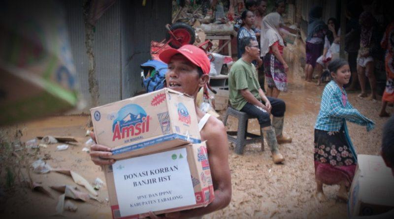 IMG 20210119 WA0094 1 800x445 - Pelajar NU Tabalong Bantu Korban Banjir HST