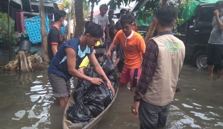 Pcnu paser menyalurkan bantuan ke wilayah terdampak Banjir di Kabupaten Banjar. Banua.co