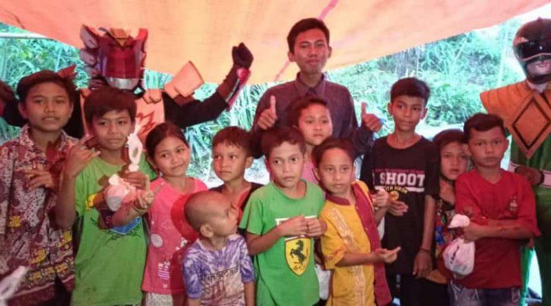 Badut Upin Bersama anak anak Korban Longsor