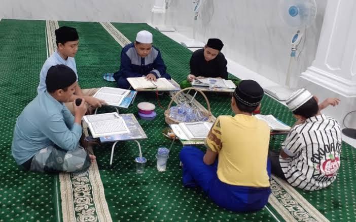 images 2021 05 01T023318.666 - Tadarus Al Qur'an Cagub Kalsel, Ini Tanggapan Warga Banua